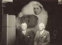 séance de spiritisme, deux hommes et une apparition, angleterre by john myers