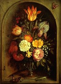 nature morte au vase de fleurs et insectes dans une niche by johannes bosschaert