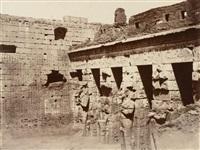 medinet-abou, les colosses de la première cour by louis de clercq