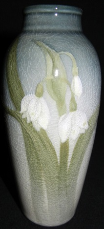 vase by laura lindeman