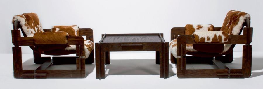ensemble composé de deux fauteuils et une table basse set of 3 by arne jacobsen