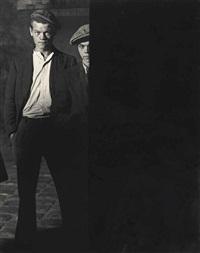 les mauvais garçons, deux voyous, place d'italie, paris, 1932 by brassaï
