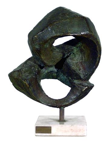 mirandose el ombligo by julian agosta