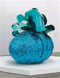 baroque egg with bow (blue/turquoise) by jeff koons