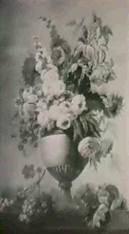 vase a decor de feuilles dacanthe fleuri de roses pivoineset chevrefeuille pose sur un entablement 2 by adèle riché