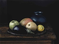 oaxaca jar with aubergine (still life no.2), new york by evelyn hofer