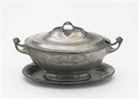 deckelterrine mit platte (model 4557) by j.p. kayser & sohn