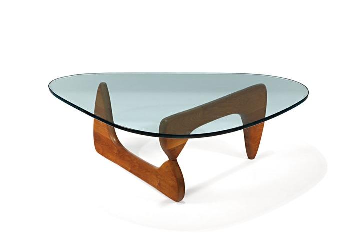 Biomorphic coffee table model no IN 50 by Isamu Noguchi on artnet