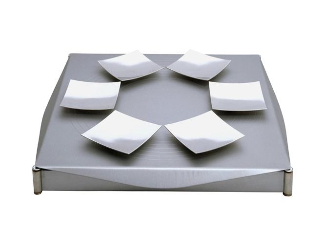 seder platte by sari srulovitch