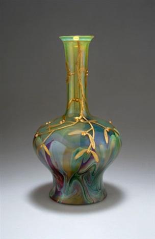vase mit misteln by gräfliche harrachsche glasfabrik co