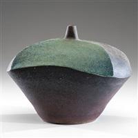 untitled sculpted vase by karen karnes