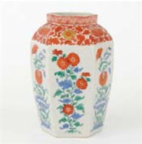 kakiemon style hexagonal vase by chelsea keramic artworks