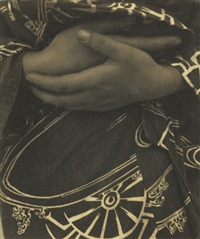 hands against kimono (tina modotti) by edward weston