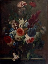 bouquet de fleurs dans un vase posé sur un entablement by karel van vogelaer
