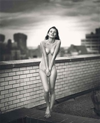 kate on roof by mario sorrenti