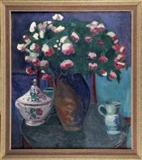 martwa natura z wazą i kwiatami by czeslaw zawadzinski