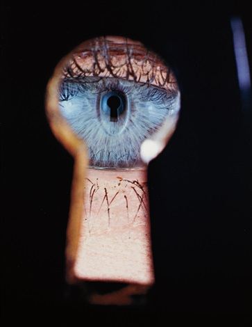 eye in keyhole new york by irving penn