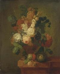 bouquet de fleurs dans un vase posé sur un entablement avec un nid d'oiseaux by pieter faes