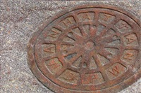 man hole cover (manhattan dpw) by josep cisquella