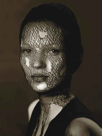 kate moss in torn veil marrakech by albert watson