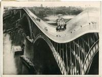 rozchwiany most by stefan rassalski