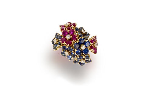 a ring by van cleef arpels