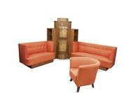 salotto composto da due divani, un mobile-bar angolare ed una poltroncina by otto maraini