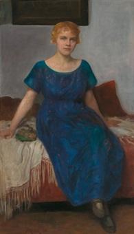 sitzende junge frau in blauem kleid (frau trinkl) by simon glücklich