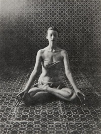 yoga experiment in new york (dorian leigh) by irving penn