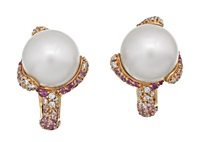 pair of earrings by autore (co.)