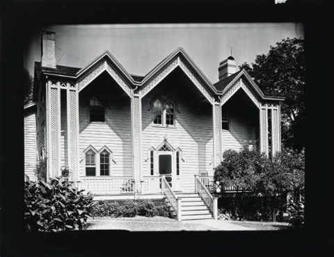 wooden gothic house by walker evans