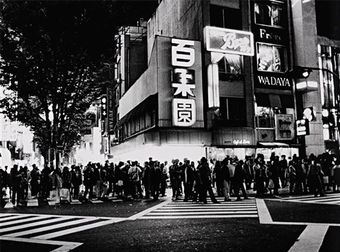 a silhouette in the night by daido moriyama