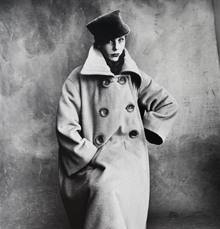 Vogue fashion photograph paris schiaparelli coat bettina a for Irving penn gallery