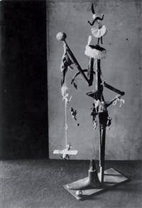 femme, l'arbre de noël, dans l'atelier de picasso, rue la boétie, paris by brassaï