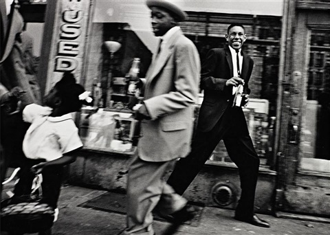 pepsi and moves, harlem, new york by william klein