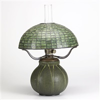table lamp (modelled by marie seaman) by tiffany and grueby