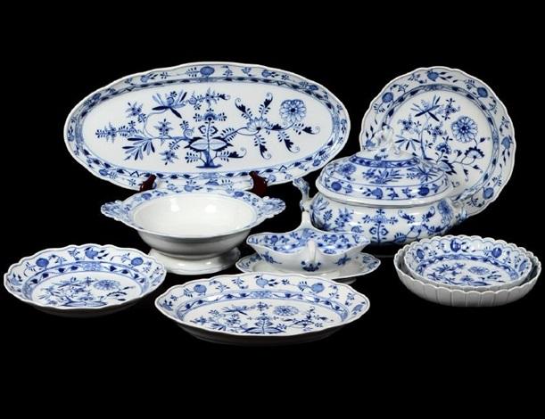\ blue onion\  porcelain part dinner service by meissen & BLUE ONION PORCELAIN PART DINNER SERVICE by Meissen on artnet