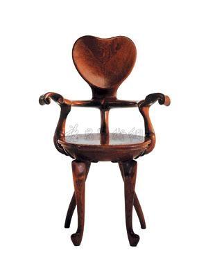 casa calvet扶手椅 by antoni gaudí