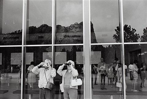 mount rushmore south dakota by lee friedlander