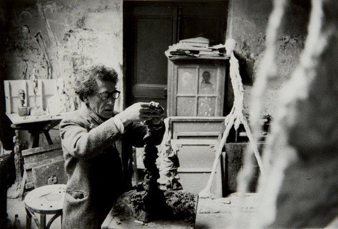 giacometti dans son atelier by rené burri