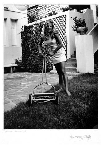 Dalida dans son jardin by tony grylla on artnet for Bruler dans son jardin