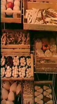 cassetta di mele;                      cassetta di peperoni (30x45x10) by guglielmo aschieri