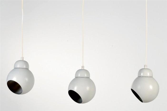suite de trois suspensions modèle bilberry a339 set of 3 by alvar aalto