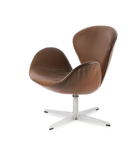 swan chair by arne jacobsen on artnet