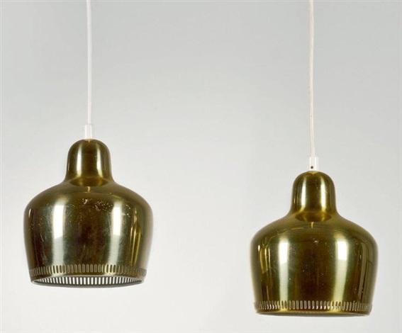 paire de suspensions modèle golden bells a330 by alvar aalto