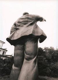 statue de lénine dans le jardin de la famille galitzine (from sur les routes de russie) by vladimir filonov