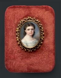 portrait de jeune fillette en buste vers la droite, presque de face, en robe de voile blanc by pauline augustin