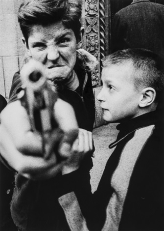 gun 1 new york by william klein