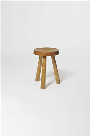 tabouret tripode (model les arcs) by charlotte perriand