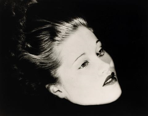 floating head mary taylor nyc by lee miller